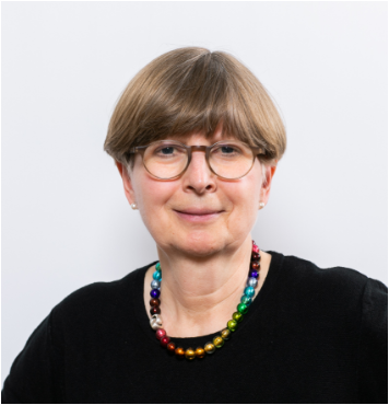 Frau Karola Schmitz